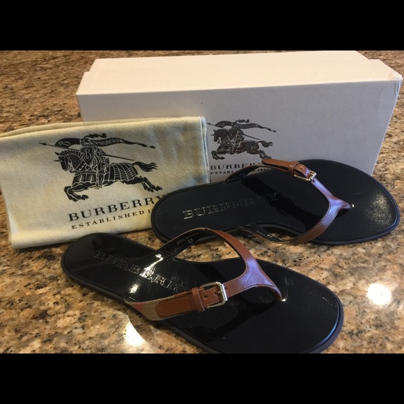 29f8aad7b34 Authentic Burberry Thong Sandals size 7